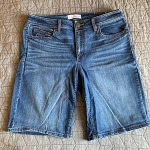 Loft size 28/6 denim longer length shorts
